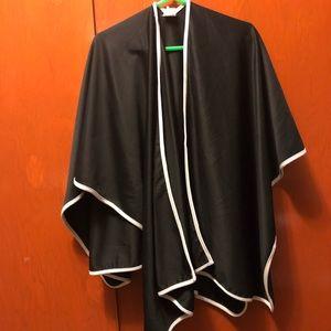 Black kimono with white outline